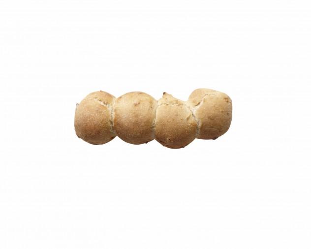 Vier desembolletjes tegen elkaar aan gebakken met zongedroogde tomaat